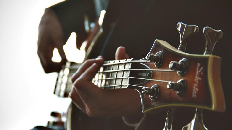 エレキベース(ギター)のネック調整方法のアイキャッチ画像